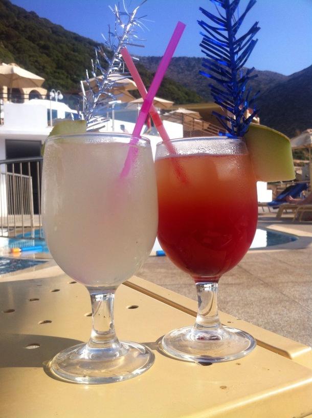 Cocktails am Pool.jpg