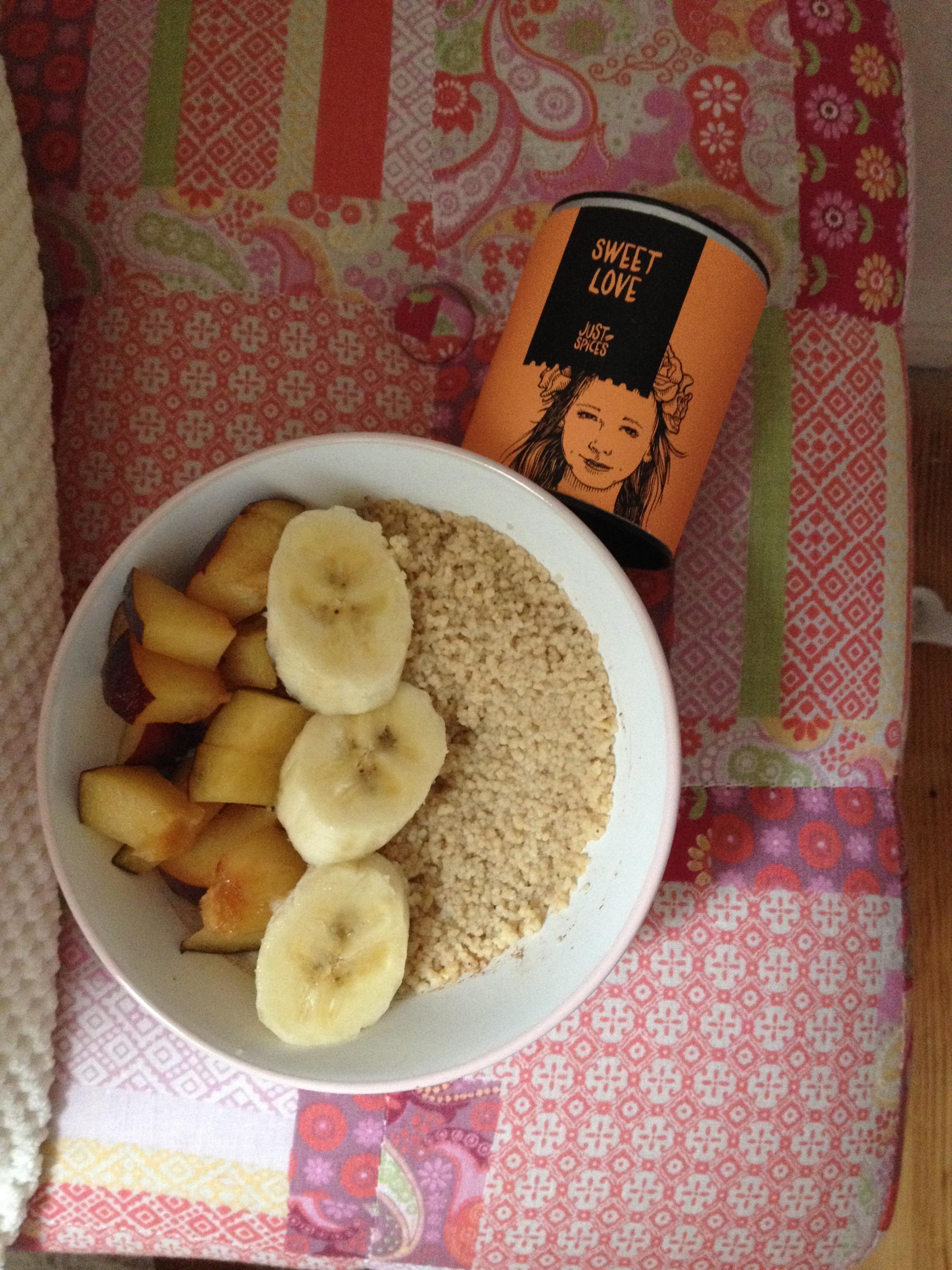frühstücks-couscous-süß.JPG
